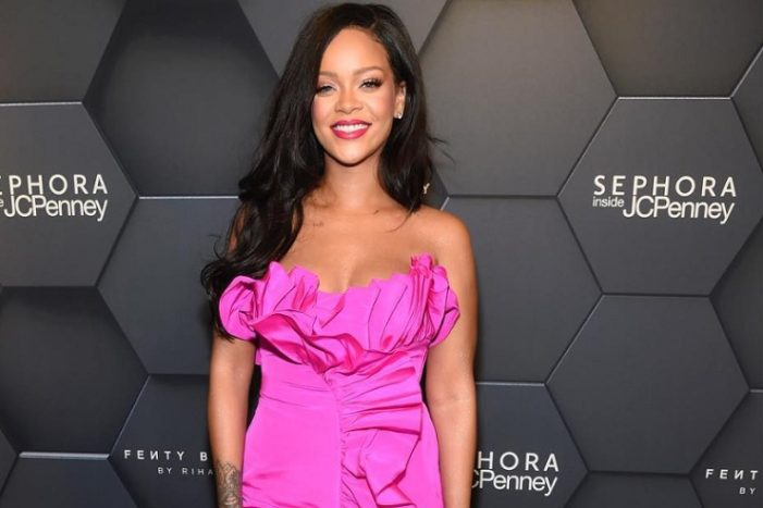 Barbadian Singer Rihanna is World's Richest Female Musician, With an Estimated Fortune of US$600 Million