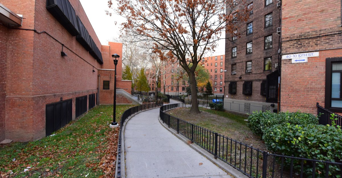 Views of New York City Housing Authority residences-img (1)